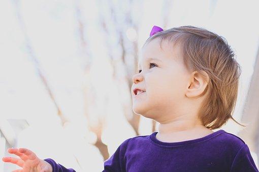 toddler-1969825__340