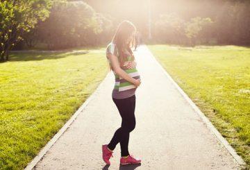 pregnant-1561750__340
