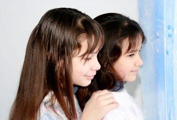 sisters-1157529__340