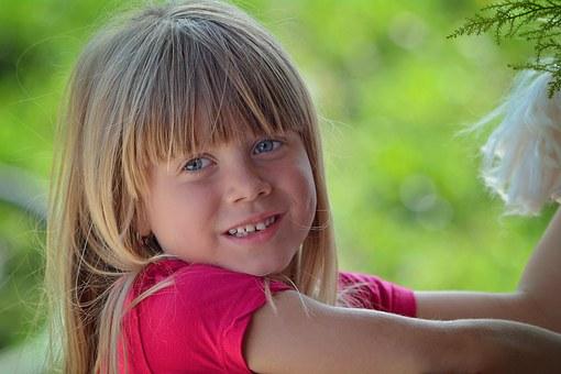 child-770213__340
