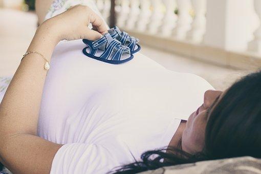 pregnant-2196853__340