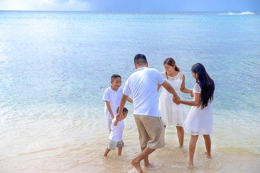 family-2432568__340